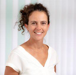 Dr. Anna Kreutzer