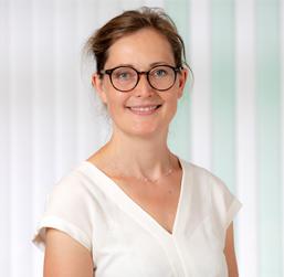 Dr Deike Jever